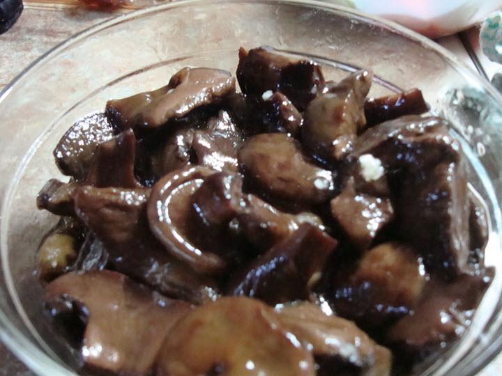 Соленые грибы свинушки