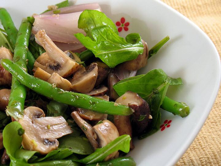 Вариант грибного салата с шампиньонами
