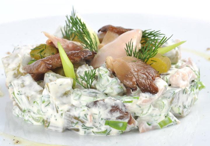 Вариант салата с грибами вешенками