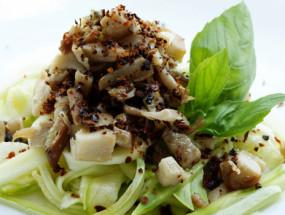 Салат с вешенками и овощами
