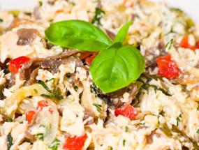 Салат с грибами ветчиной и майонезом