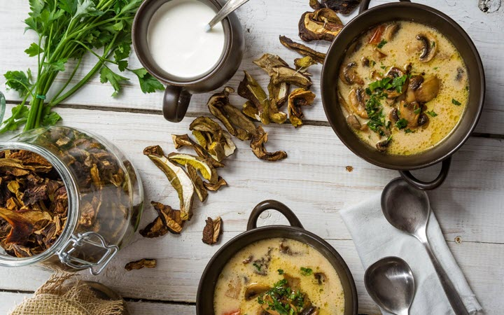 Низкокалорийный грибной суп пюре