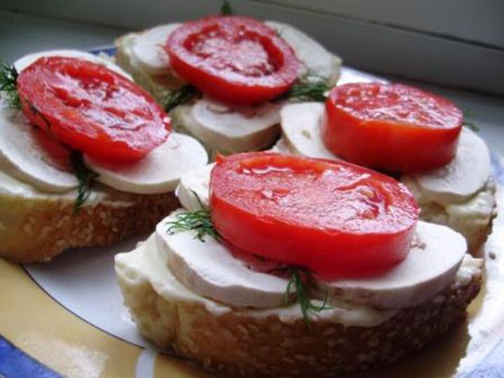 Бутерброды из сырых шампиньонов