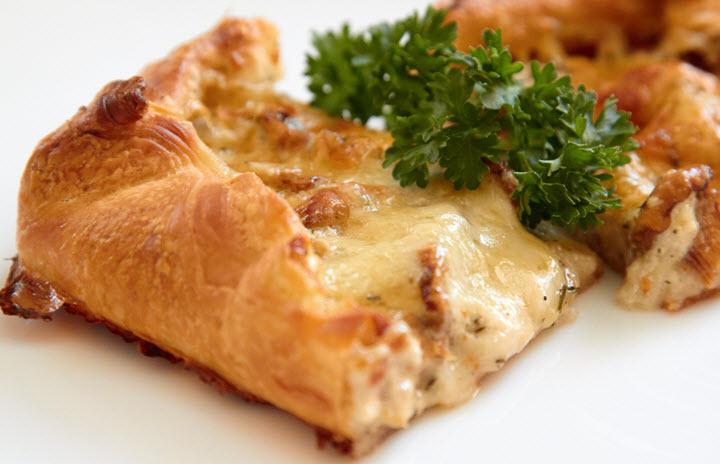 Открытый грибной пирог