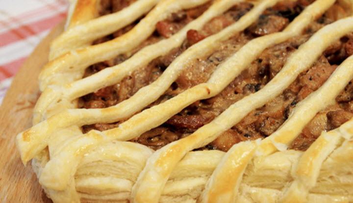 Пирог с мясо-грибной начинкой