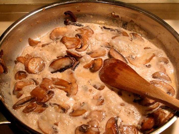 Соус из замороженных грибов